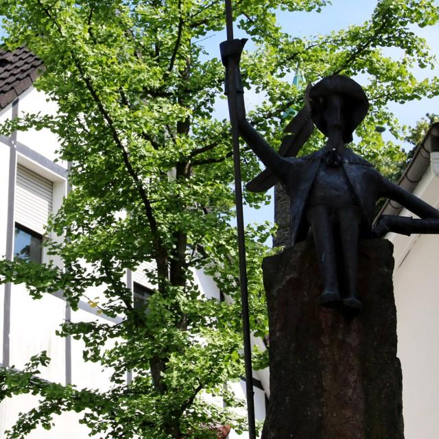 Graf-Engelbert-Brunnen